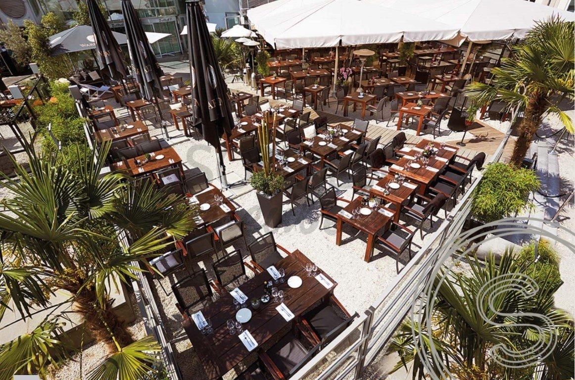 Celebrityrestaurant: Tuintafels voor Riva Düsseldorf