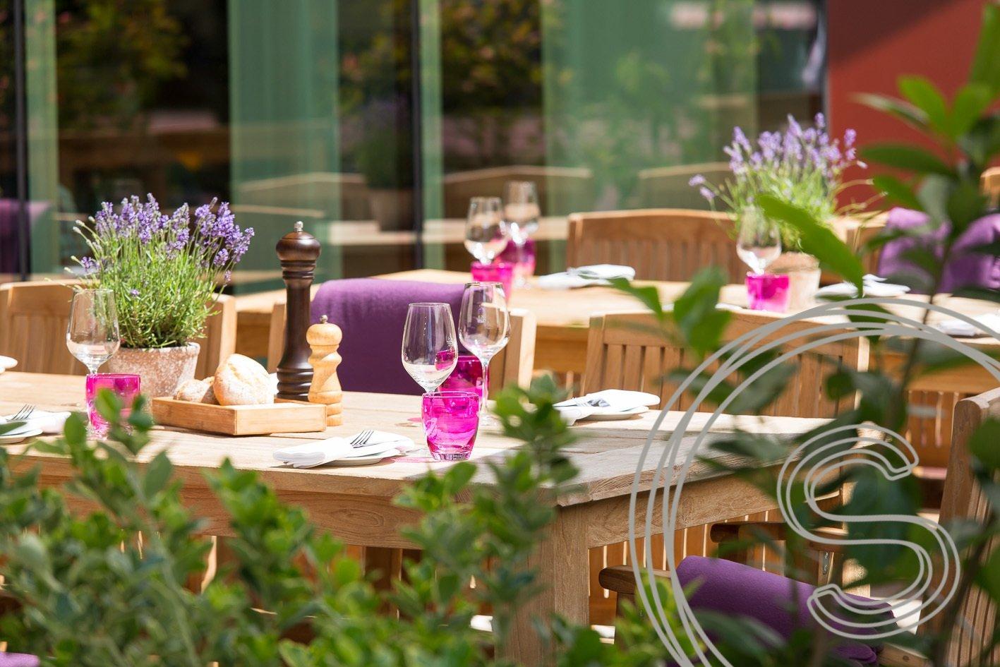Tuinmeubelen voor Ameron Hotel in Köln