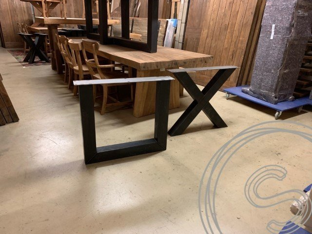 Stalen onderstellen | Stalen poten | Souren Meubels dé tafel